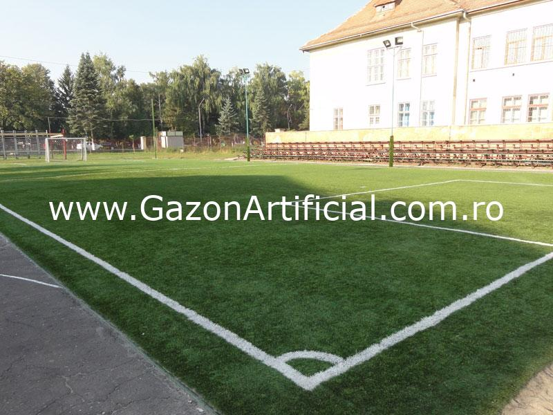 gazon artificial teren fotbal sintetic